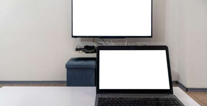 how to connect laptop to tv with usb